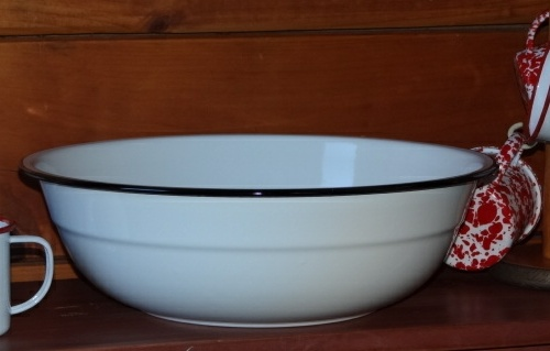 Enamelware medium basin vintage white